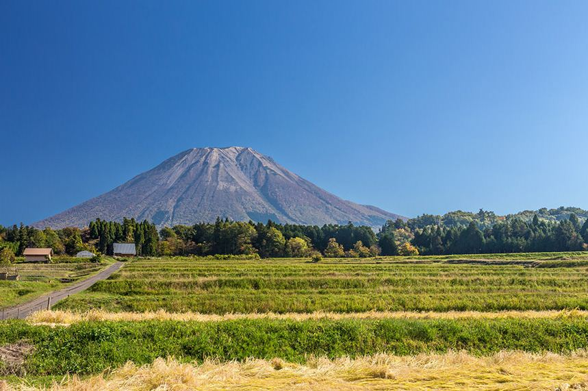 daisen mountain top spectacular beautiful mountains in japan