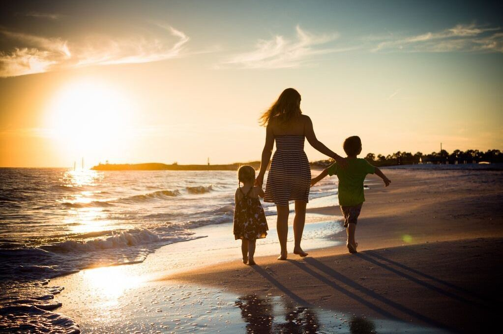 family travel tips tricks traveling with kids children (5)
