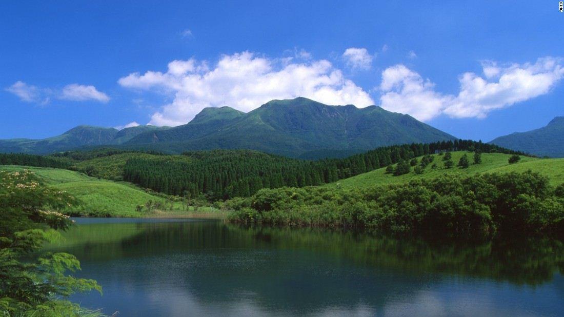 kuju mountain range top spectacular beautiful mountains in japan