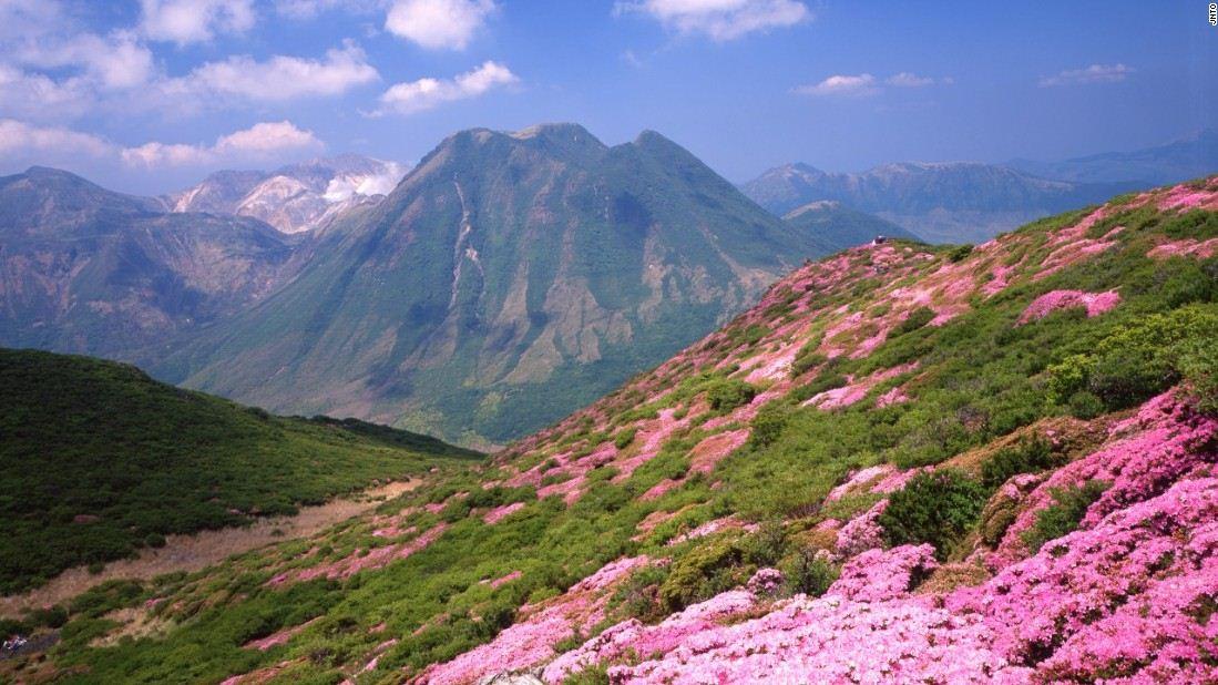 kuju mountain top spectacular beautiful mountains in japan