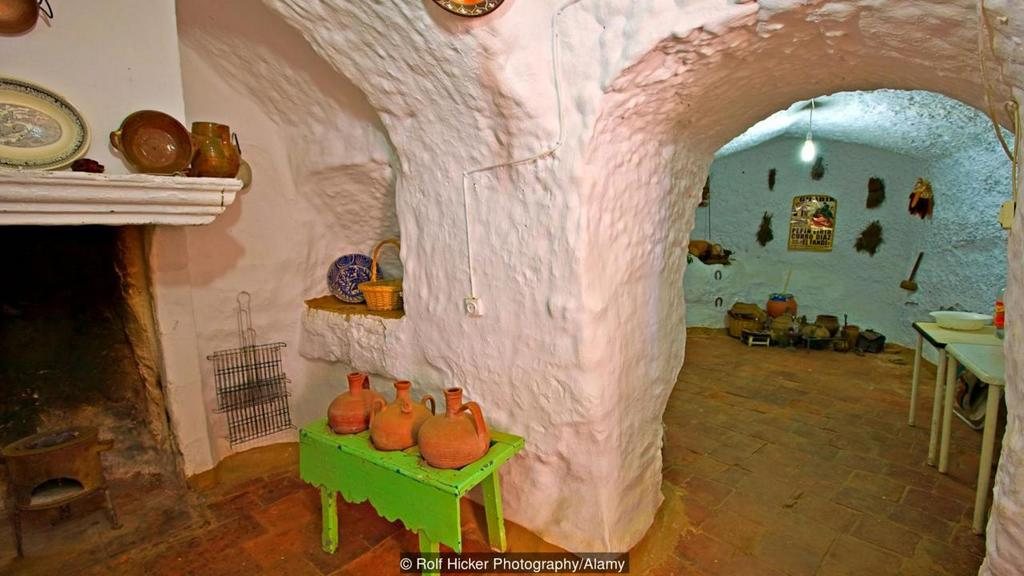 living in cave houses in andalucia southern spain (2)