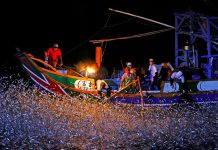 sulfuric fire fishing in Jinshan taiwan (21)