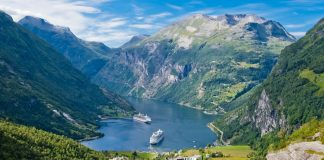 the best time to book cruise