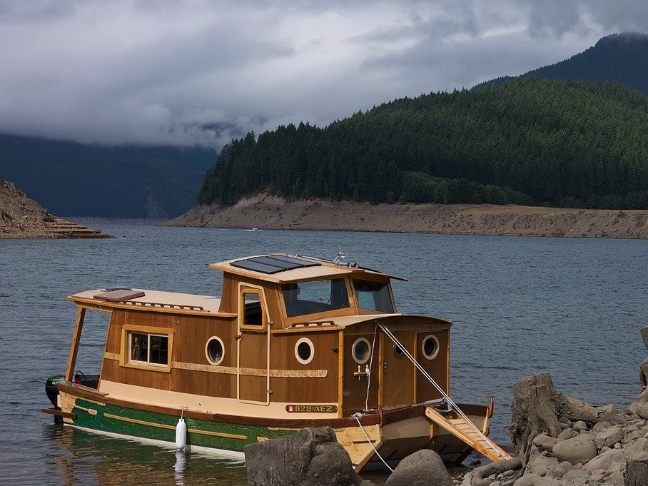 the-waterwoody-houseboat, United States, tiny homes