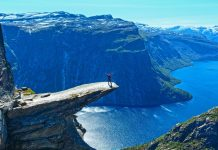 -trolltunga-cliff-hordaland-county-norway