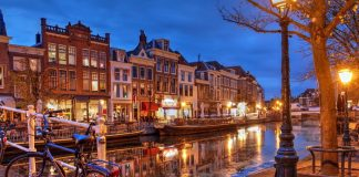 leyden, netherlands - small town-things to do in autumn-europe