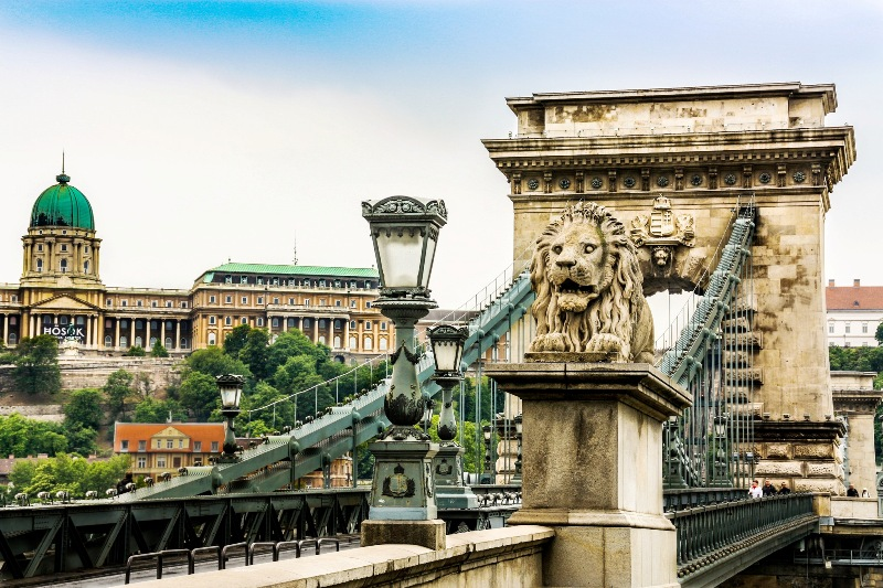 chain bridge hungary travel photos
