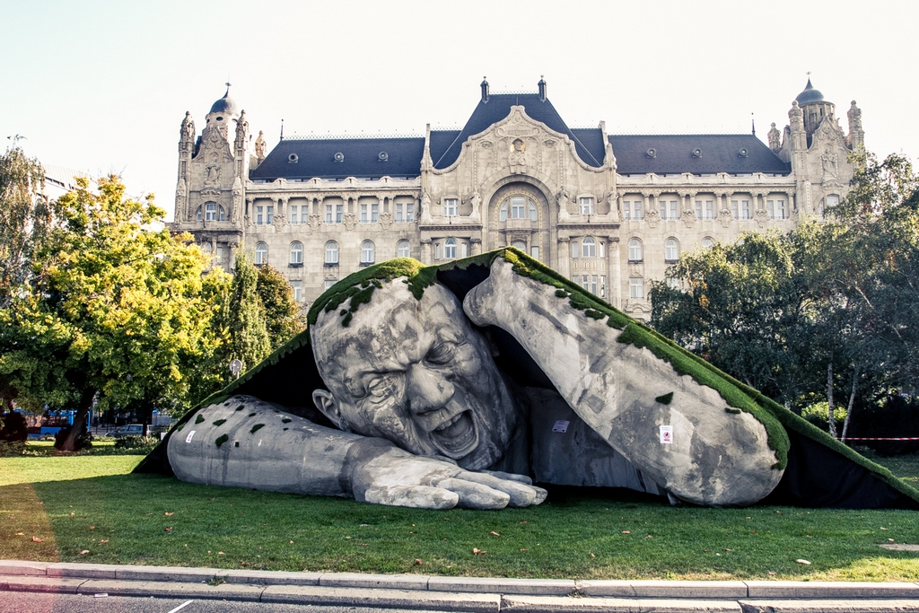 The giant statue-Budapest, Hungary-most creative sculpture around the world