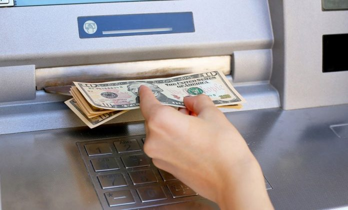 atm-machine-exchange-error-familiar-but-burning-money-when-traveling