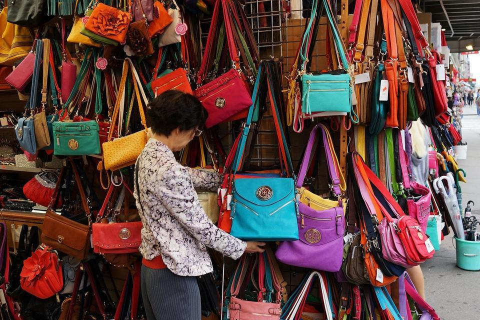 handbags-error-familiar-but-burning-money-when-traveling