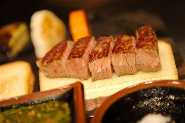 kobe-beef-luxury-life-things-to-eat-in-kobe-japan0