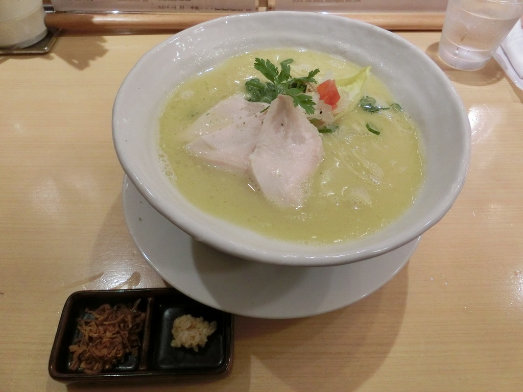 ginza-kagari-ramen-shops-delicous-best-things-to-eat-in-tokyo22