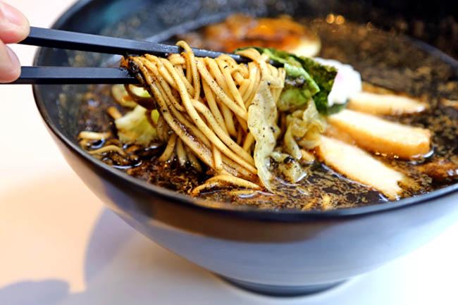 gogyo-ramen-nishi-azabu-ramen-shops-delicous-best-things-to-eat-in-tokyo5