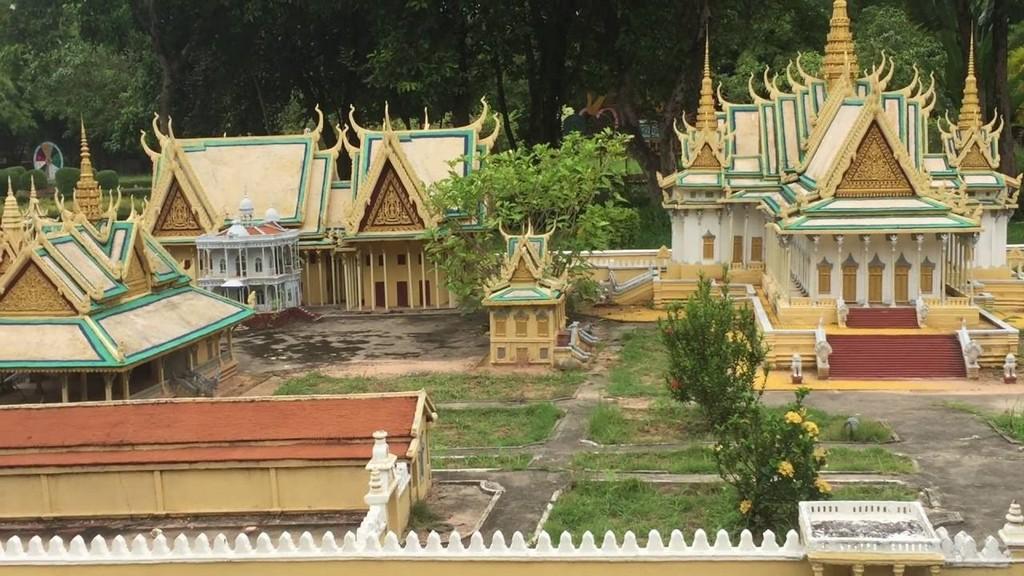 Cambodian Cultural Village Photo by: siem reap tourist places blog.