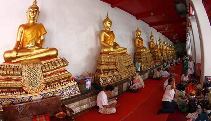 free-meditation-classes-in-wat-maha-that-free-experience-when-traveling-to-bangkok3