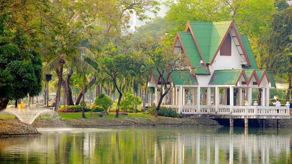 lumphini-park-free-experience-when-traveling-to-bangkok