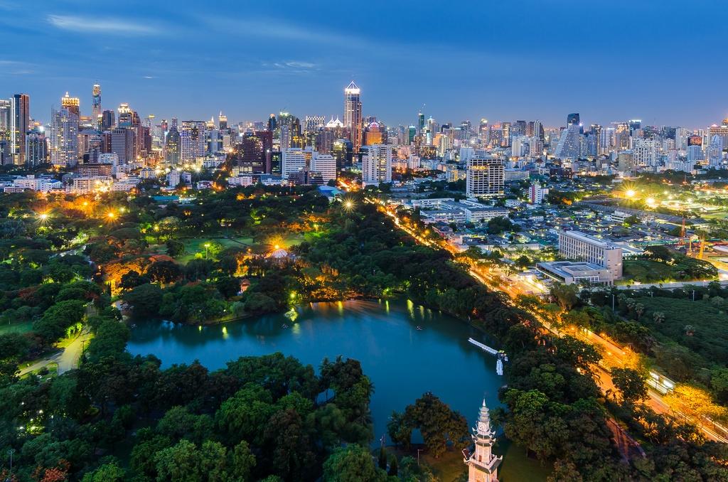 lumphini-park-free-experience-when-traveling-to-bangkok1