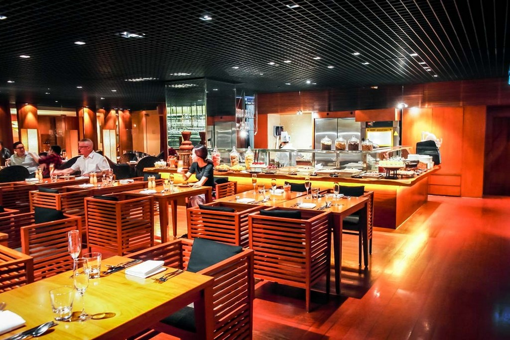 one of the best buffet restaurants in Singapore mezza9-singapore-buffets-best-buffet-restaurants-in-singapore