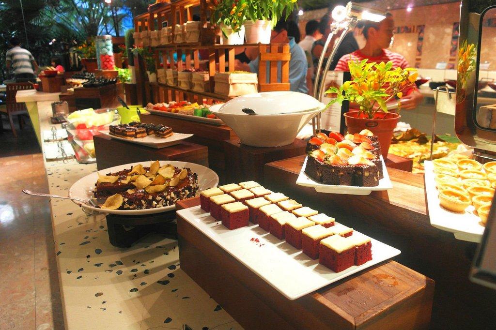 plaza-brasserie-singapore-buffets-best-buffet-restaurants-in-singapore2
