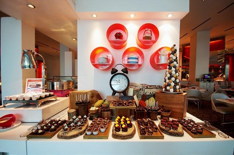 the-line-restaurant-singapore-buffets-best-buffet-restaurants-in-singapore3