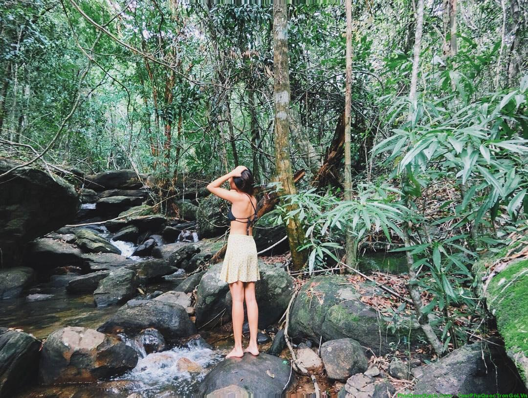 tranh-stream-phu-quoc-ideal-place-in-phu-quoc2