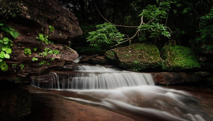 tranh-stream-phu-quoc-tranh-spings-waterfall-phu-quoc-attractions1