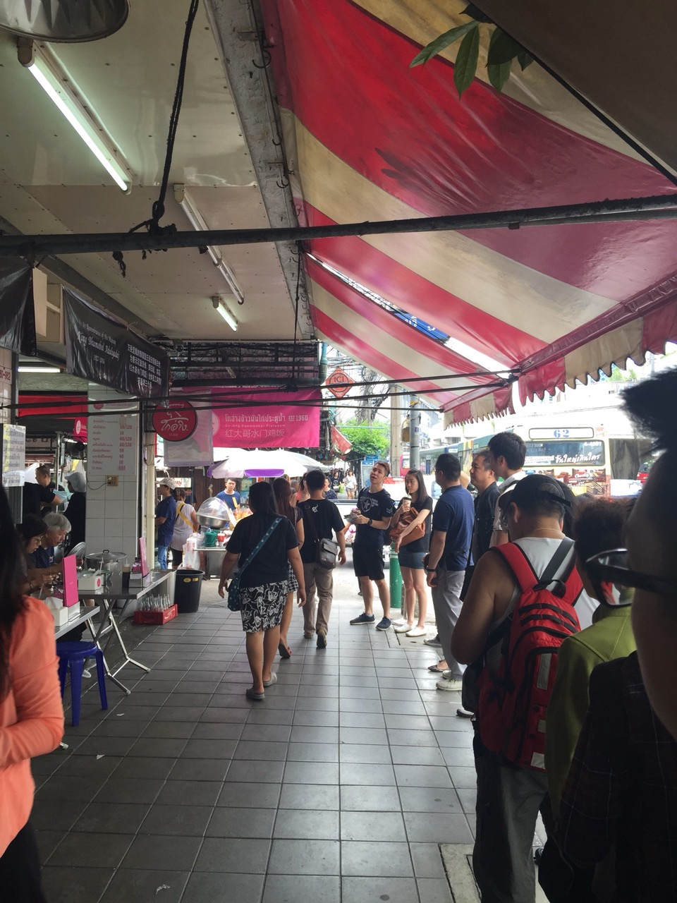 kaiton-pratunam-chicken-rice-stall-bangkok-thailand-prices-review-opening-hours-how-to-get-9