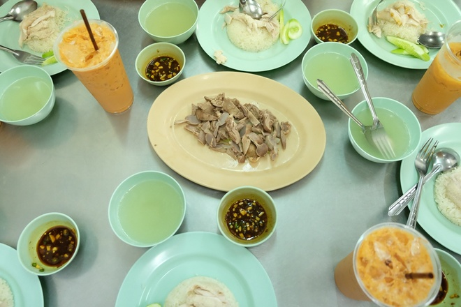 pratunam-chicken-rice-bangkok-thailand-6