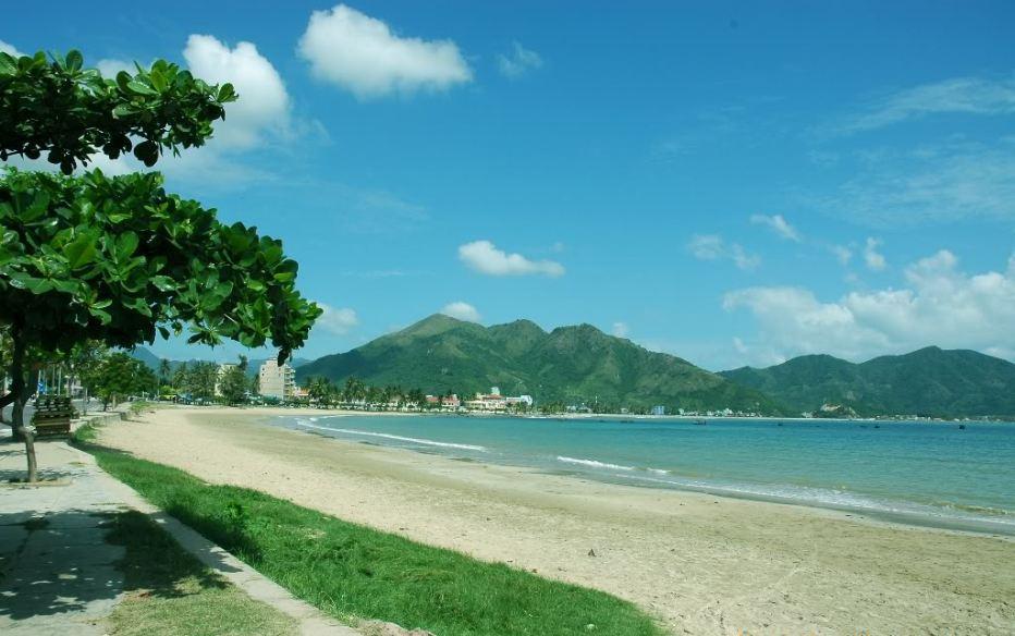 Bai duong-beach-Nha-Trang-Beach-beautiful-beaches-and-island-nha-trang