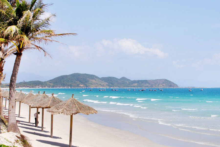 Doc let-beach-Nha-Trang-Beach-beautiful-beaches-and-island-nha-trang
