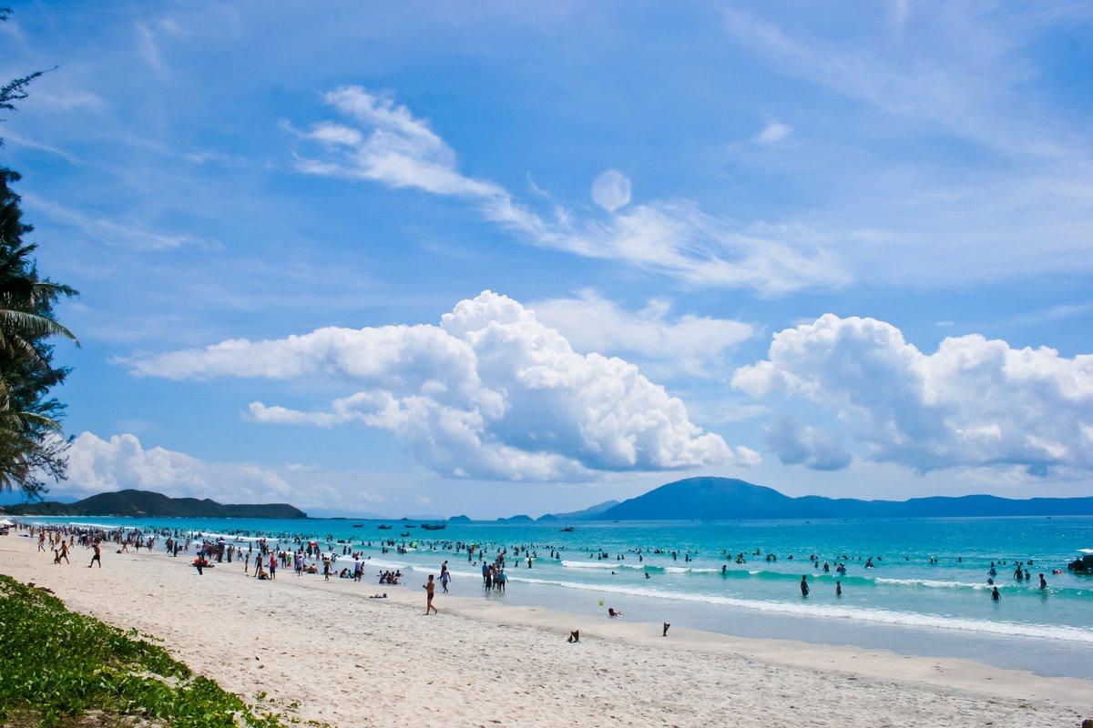 Doc let-beach-Nha-Trang-Beach-beautiful-beaches-and-island-nha-trang13