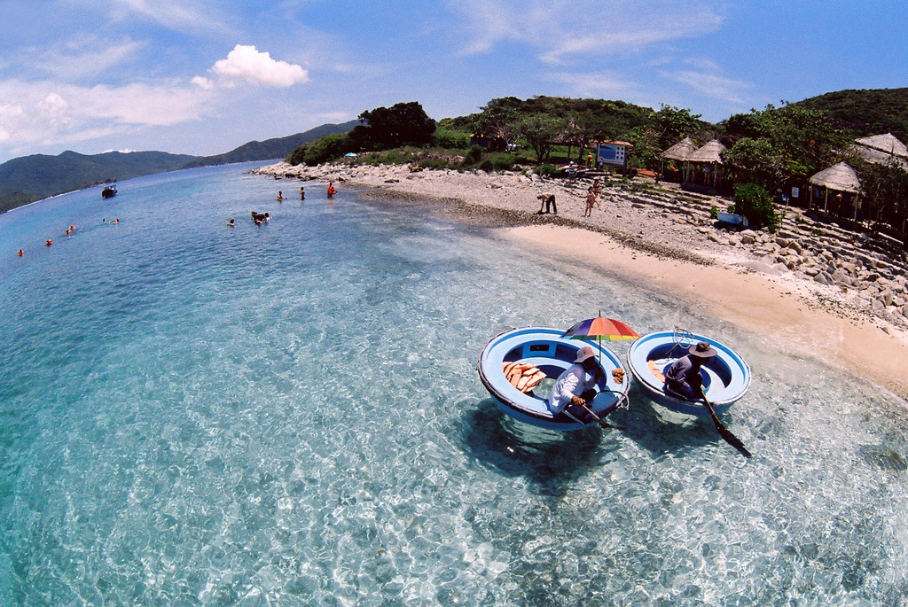 Hon Mun-island-Nha-Trang-Beach-beautiful-beaches-and-island-nha-trang1