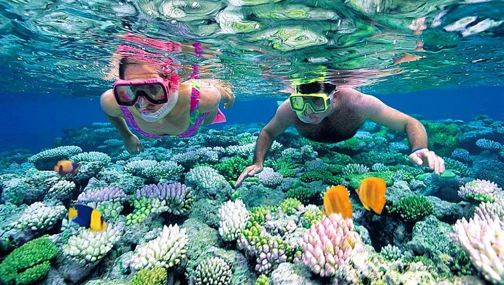 Hon mot-island-snorkeling-Nha-Trang-Beach-beautiful-beaches-and-island-nha-trang1
