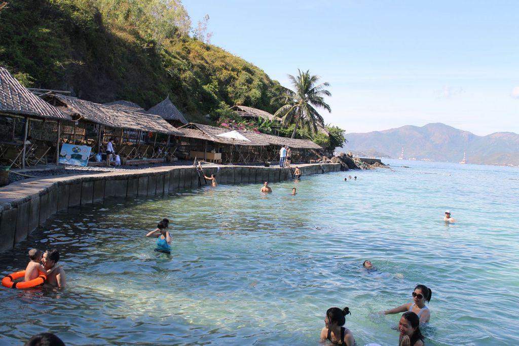 Hon tre-Nha-Trang-Beach-beautiful-beaches-and-island-nha-trang