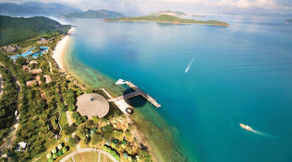 Vietnam-Khanh-Hoa-Nha-Trang-Nha-Trang-Beach-beautiful-beaches-and-island-nha-trang