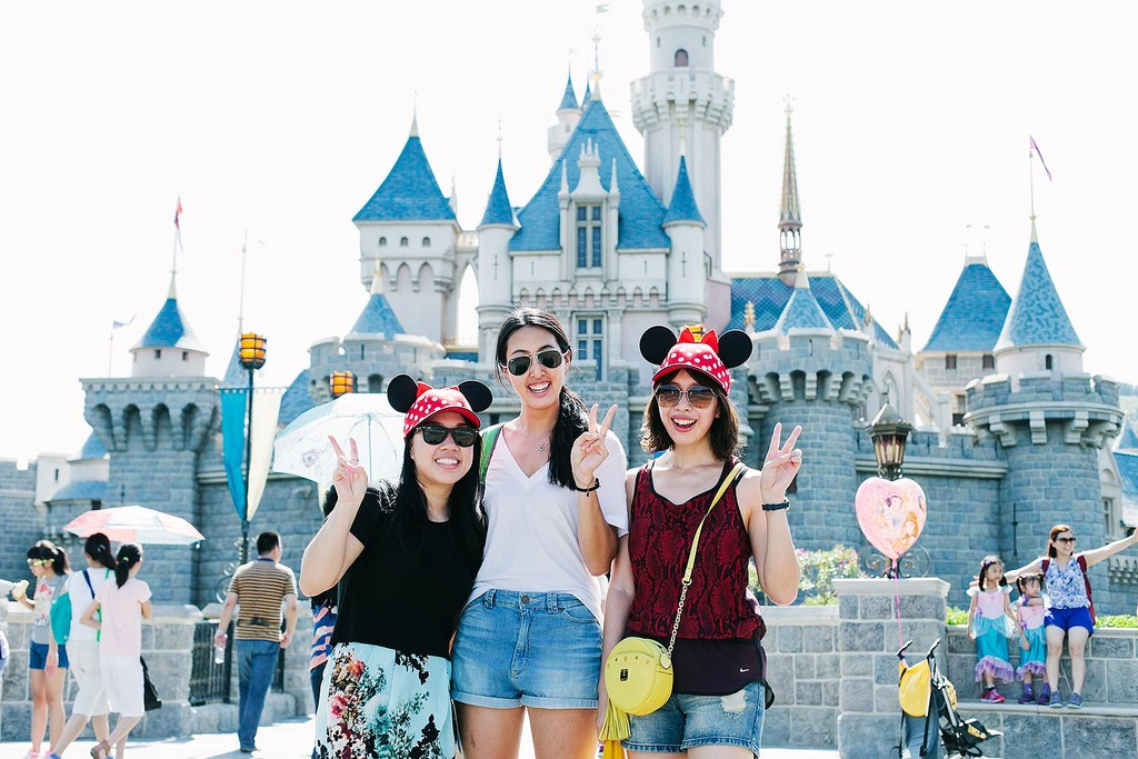 Best theme park in Hong Kong hong kong disneyland ticket price package map hotel package tour events (