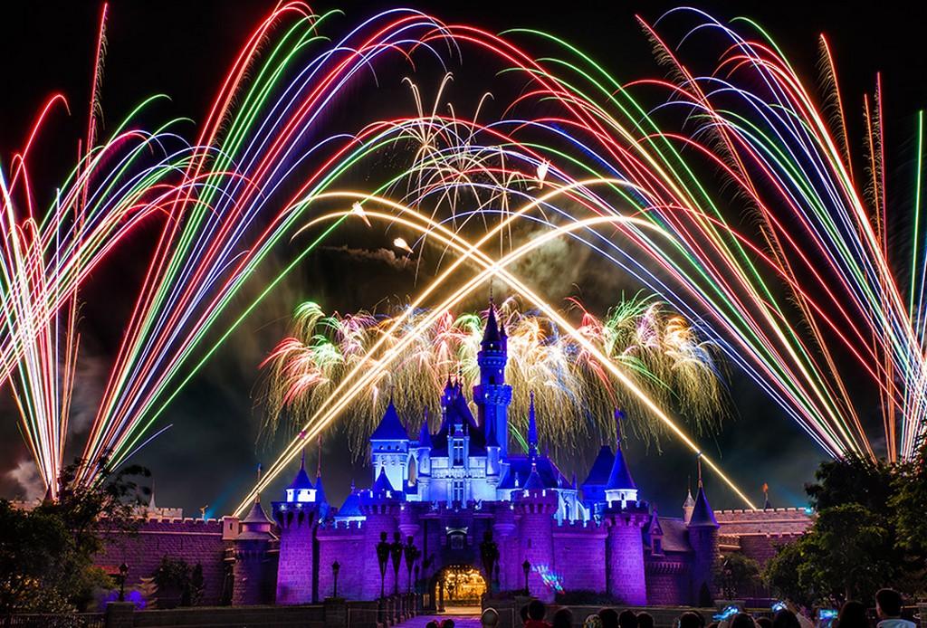 Discover Hong Kong Disneyland