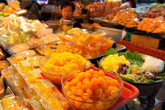Warorot-Market Chiang Mai 3 days itinerary food