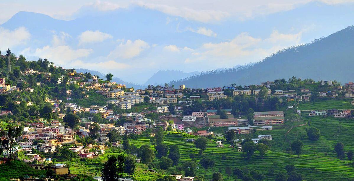 almora city india