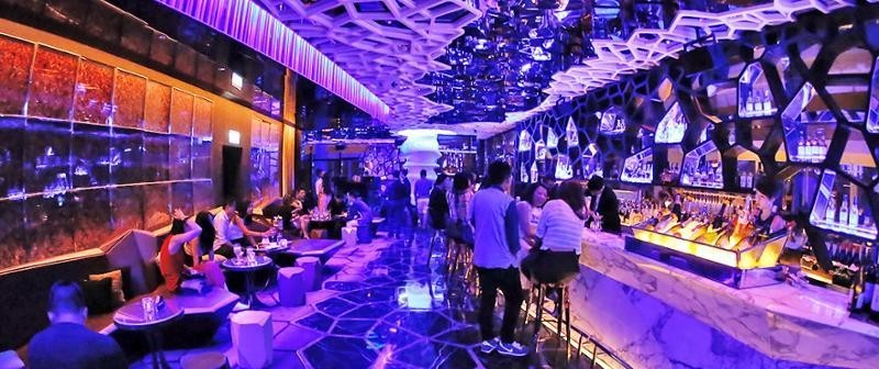 Ozone bar-Ritz Carlton-Hong Kong-explore the fullest Hong Kong only 3 days