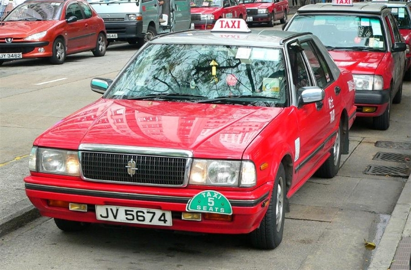 taxi -kong-explore the fullest hong kong only 3 days