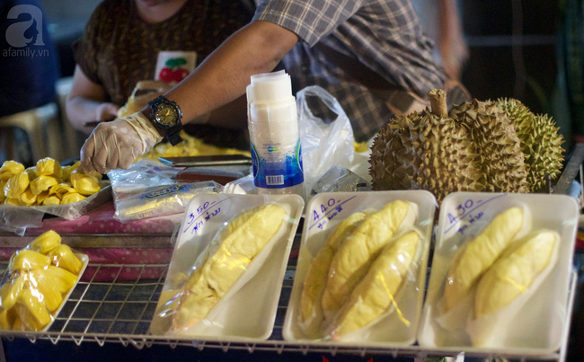 yaowarat street food chinatown bangkok street food durian