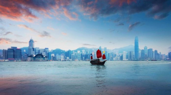 Chinese Junk in Victoria Harbour (Hong Kong).