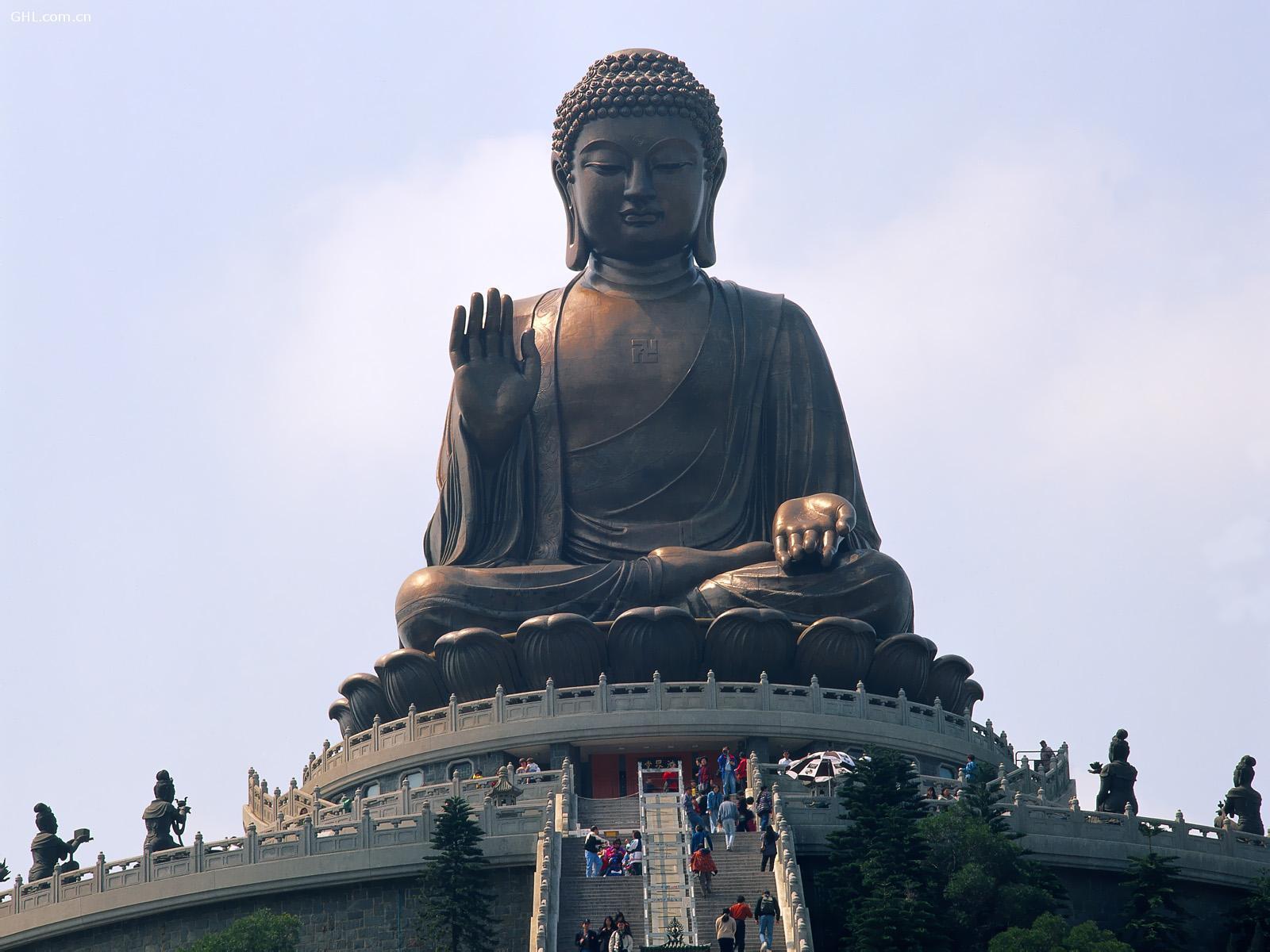 tian-tan-statue-hong-kong-explore the fullest hong kong only 3 days1