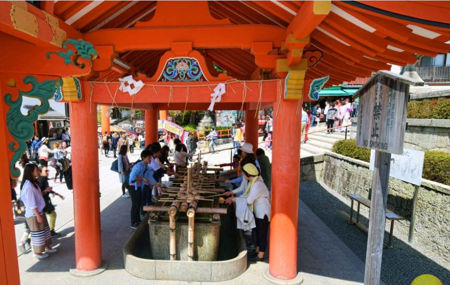 Fushimi Inari Shrine - One of most famous shrine in Japan (12)