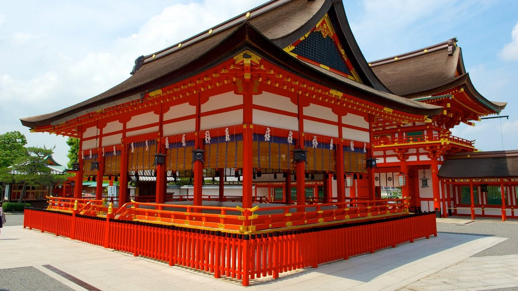Fushimi Inari Shrine - One of most famous shrine in Japan (4)