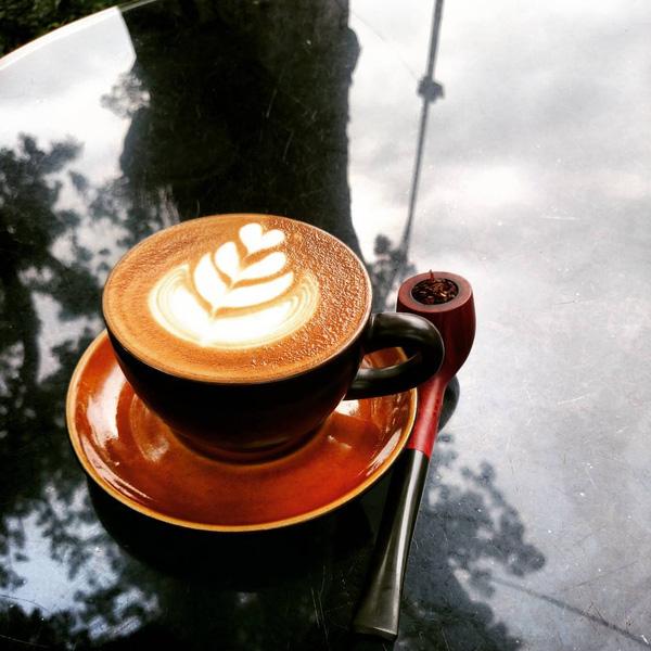 luc thuy restaurant hanoi cafe (1)