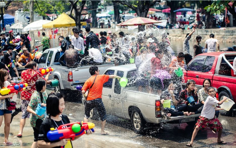 The water festival Songkran-Thailand-the water festivals in Southeast Asian4