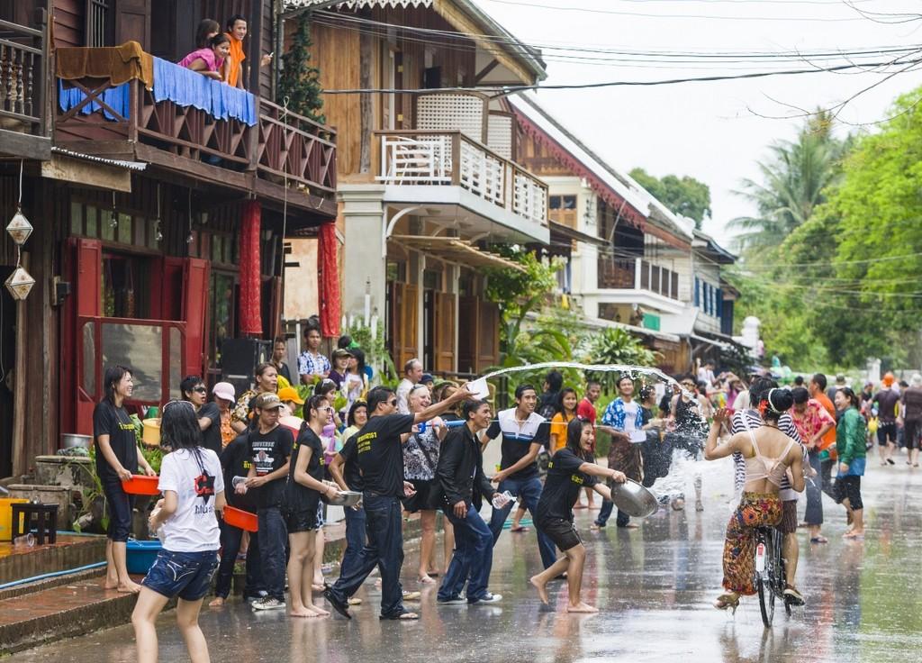 The water festival in Bunpimay-Laos-the water festivals in Southeast Asian2