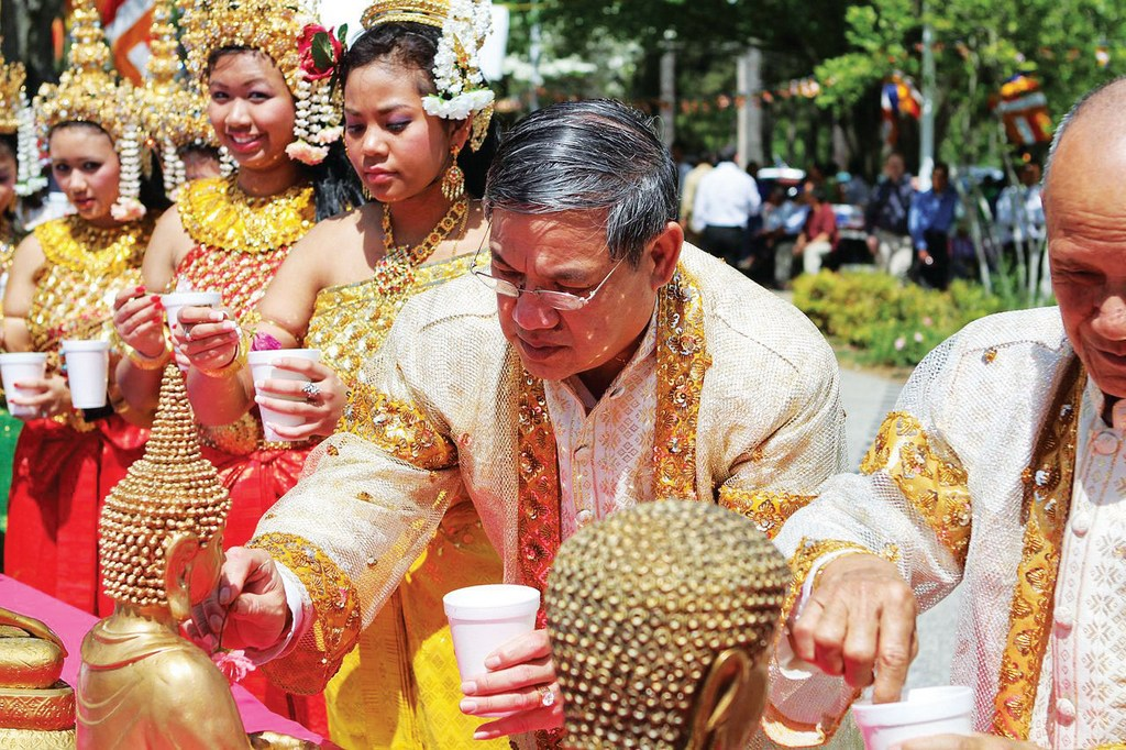 The water festival in Chol Chnam Thmay-Campuchia-the water festivals in Southeast Asian3